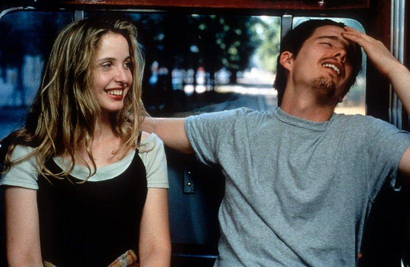 نمایی از فیلم پیش از طلوع - بهترین فیلمهای دهه 90 میلادی