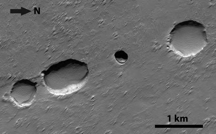 نمایی از نورگیرهای دالانهای گدازه در مریخ