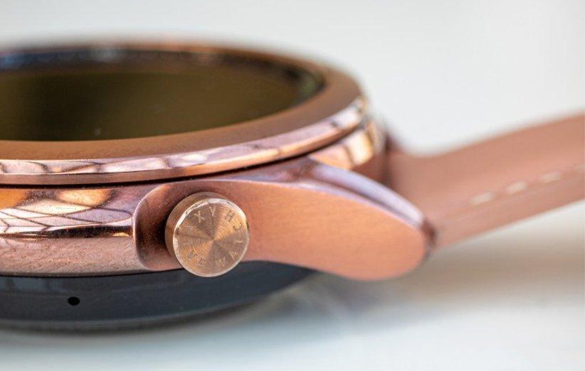 نمای ساعت هوشمند گلکسی واچ 3 از پهلو
