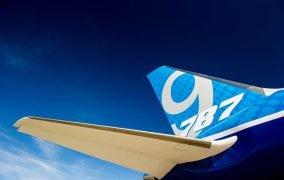 دم افقی هواپیمای بویینگ 787 دریم لاینر