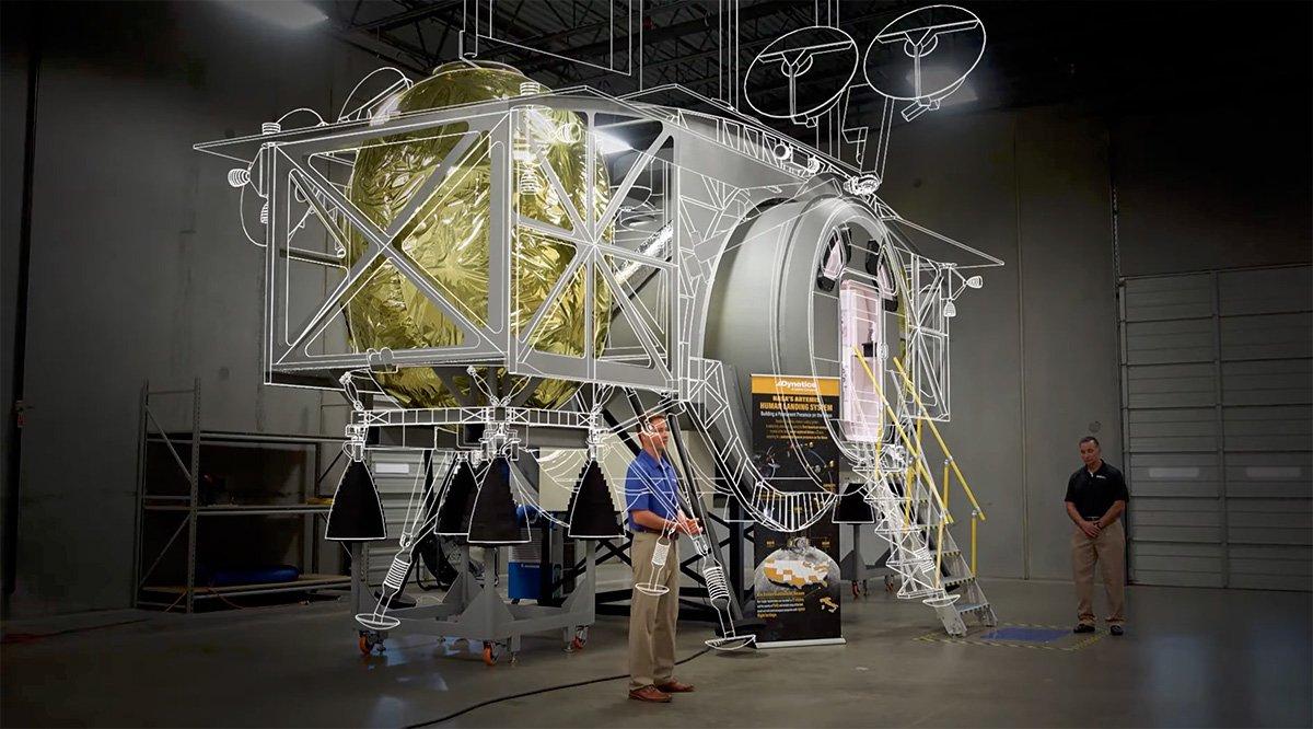 مقایسهی مدل ساخته شده با طراحی اصلی ماهنشین