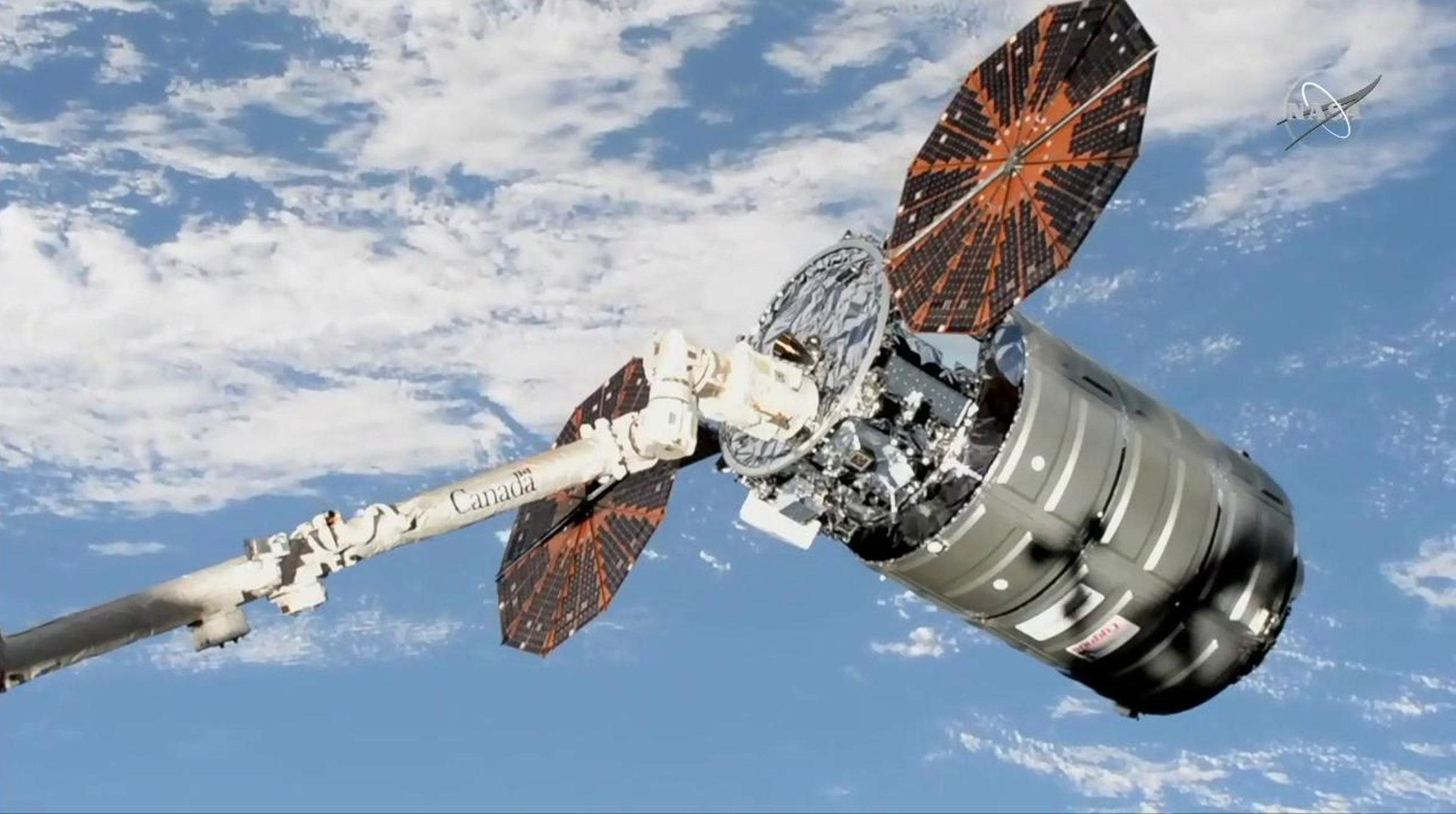 اتصال فضاپیمای سیگنوس به ایستگاه فضایی بینالمللی