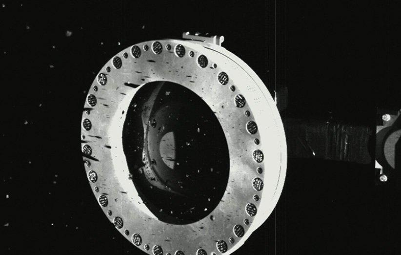 نمونههای جمعآوری شده از سطح سیارک بنو توسط فضاپیمای اسیریس رکس ناسا