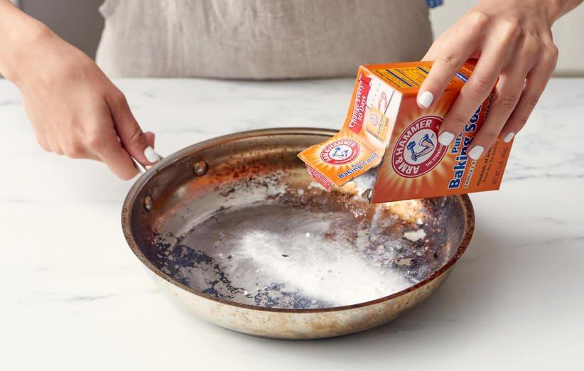 تمیز کردن قابلمه ته گرفته با جوش شیرین