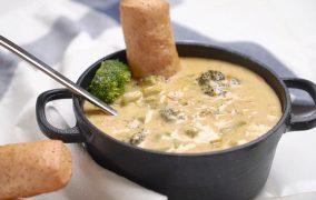 طرز تهیه سوپ بروکلی و پنیر چدار