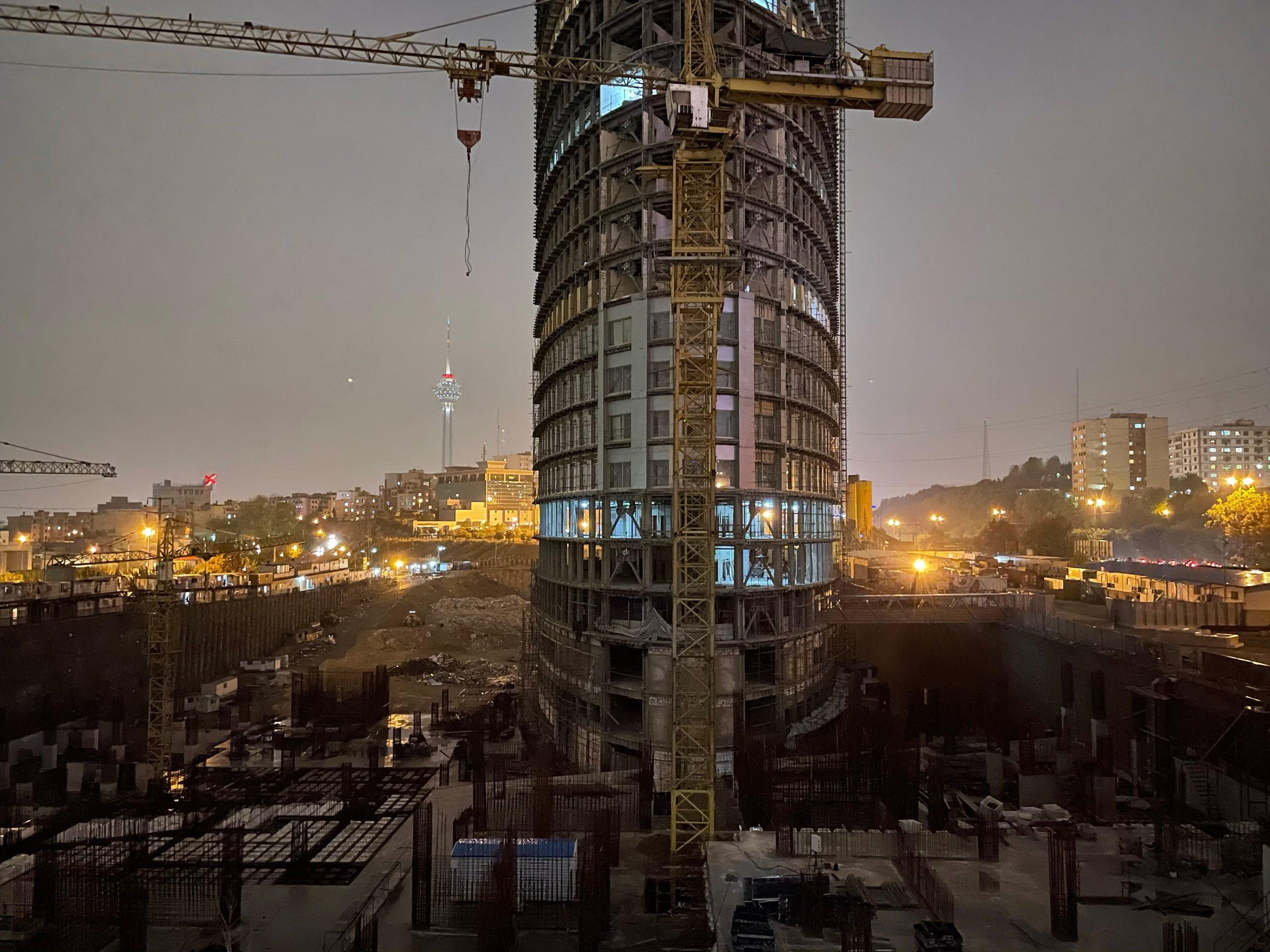 نمونه عکس دوربین آیفون 12 در شب