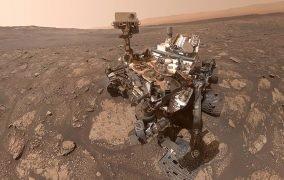 سلفی کاوشگر کنجکاوی از منطقهی مری انینگ مریخ