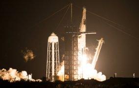 پرتاب مأموریت کرو-1