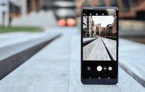 مدل گوشی در عکاسی با موبایل