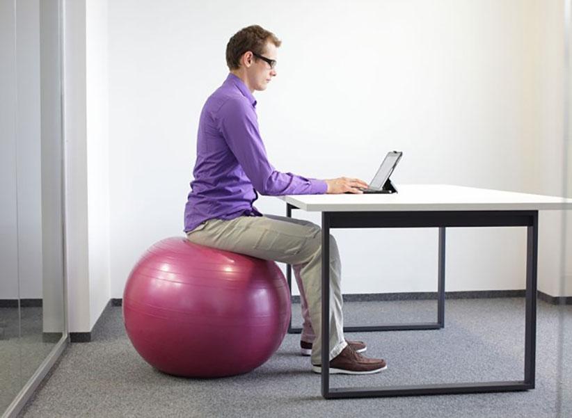 کاهش وزن در محل کار با یوگا