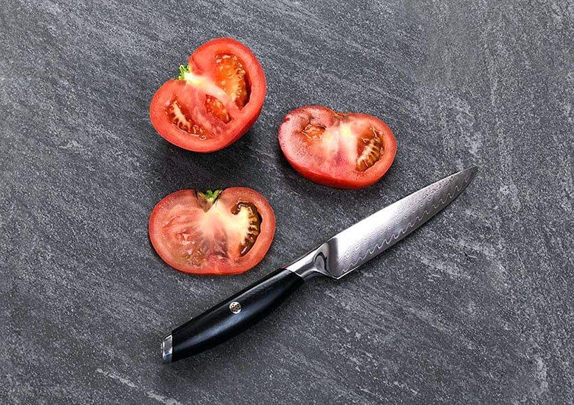 چاقوی کاربردی یکی از انواع چاقوهای آشپزخانه است