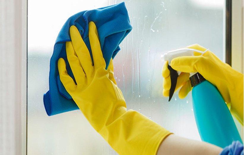 روشهای تمیز کردن قاب، شیشه و لولای پنجرهی دوجداره