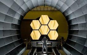 آینه تلسکوپ جیمز وب