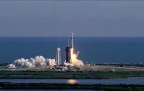 پرتاب موشک فالکون 9 اسپیسایکس برای ارسال کپسول باری ارتقا یافتهی دراگون به ایستگاه فضایی بینالمللی