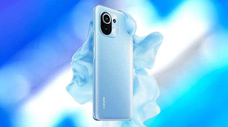 گوشی شیائومی Mi 11 با رنگ آبی