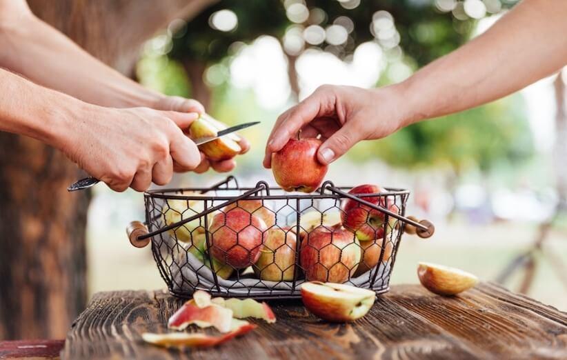 7 روش استفادهی عجیب از پوست سیب که نمیدانستید