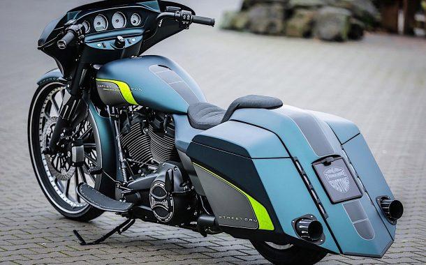 موتورسیکلت هارلی دیویدسون Milwaukee 8 تاندربایک
