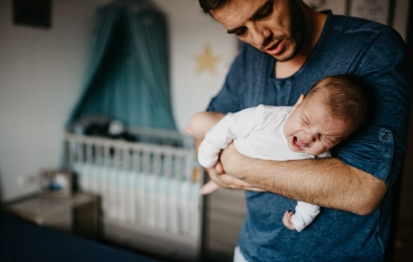 نوزاد تازه متولد شده - تسکین نوزاد گریان