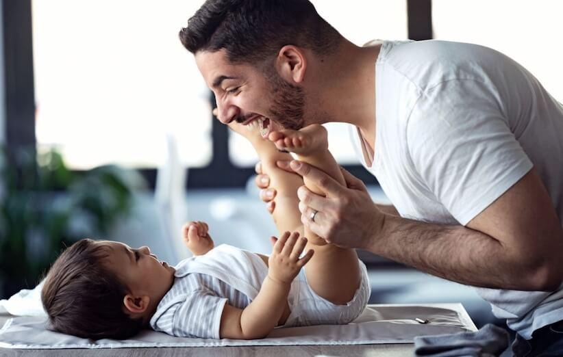 نوزاد تازه متولد شده - کودک را با پدر تنها بگذارید