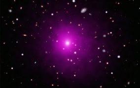 تصویری ترکیبی از خوشهی کهکشانی Abell 2261