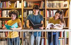 کتابهای خوب از نویسندگان ایرانی برای نوجوانان