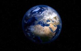 نمایی از سیارهی زمین
