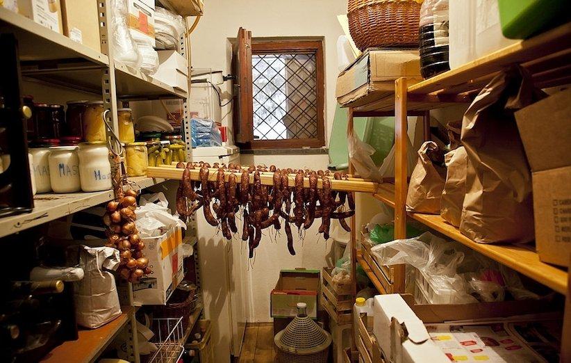 دکوراسیون آشپزخانه 2021 - انبار کوچک
