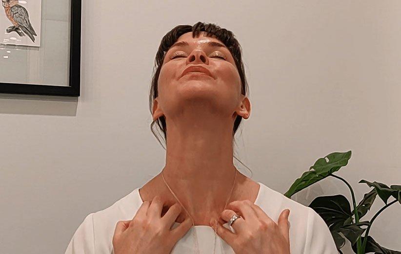لیفت گردن با یوگا