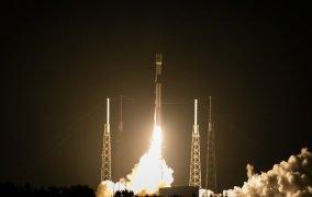 پرتاب موشک فالکون 9 برای قرار دادن ماهوارهی ترکست 5A؛ نخستین پرتاب فضایی 2021