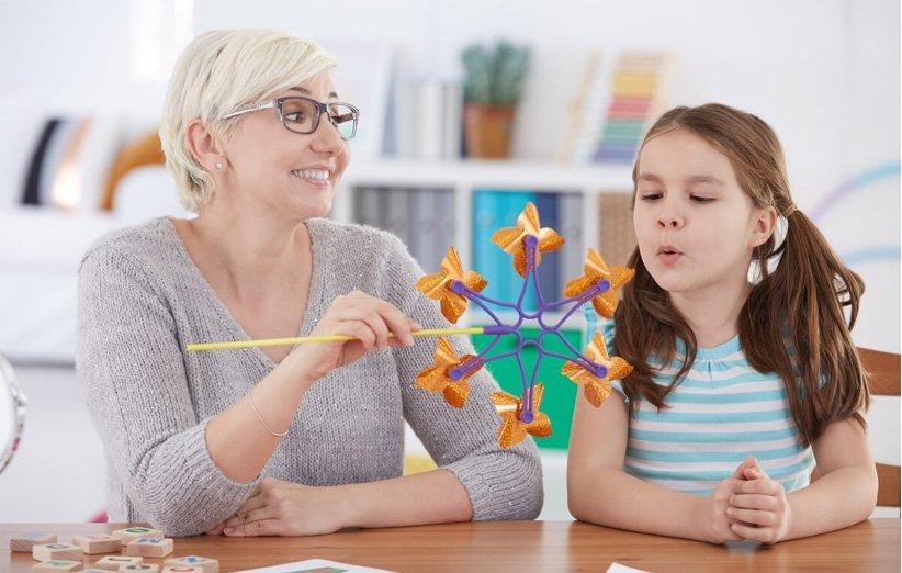 گفتار درمانی - گفتار درمانگر کیست