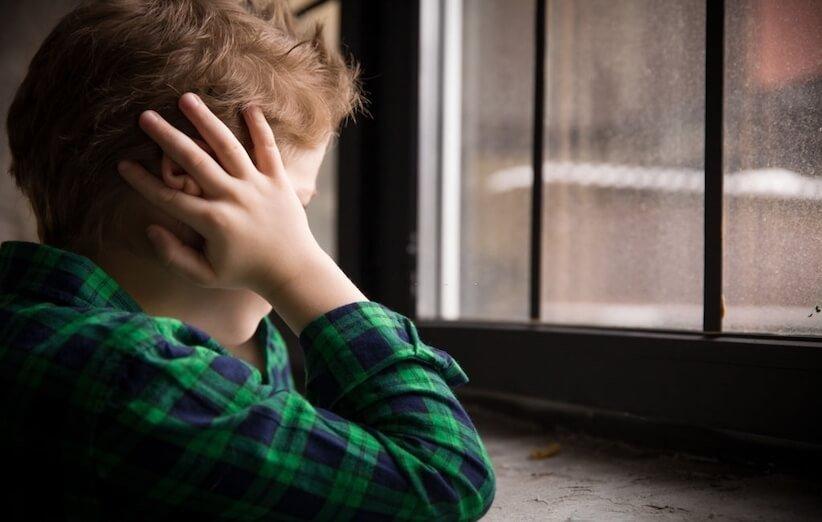 اوتیسم - علائم و نشانهها