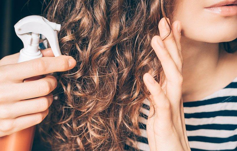 در 5 دقیقه اسپری طبیعی محافظت از مو در برابر حرارت بسازید
