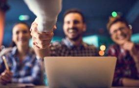 هوش عاطفی برگ برندهی شما برای استخدام در سال 2021