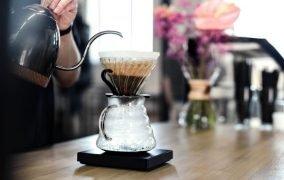 فقط در 3 دقیقا با V60 در منزل قهوه درست کنید