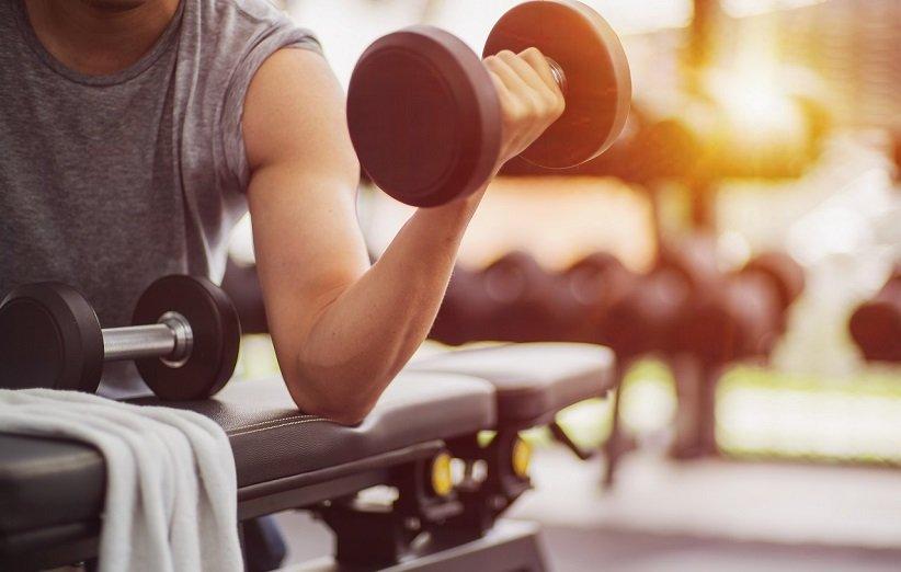 عضلهسازی از فواید تمرین با وزنه