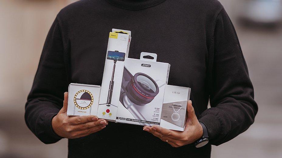 ۴ محصول جذاب برای علاقهمندان به عکاسی موبایل (لنز کلیپسی، رینگ لایت و…)