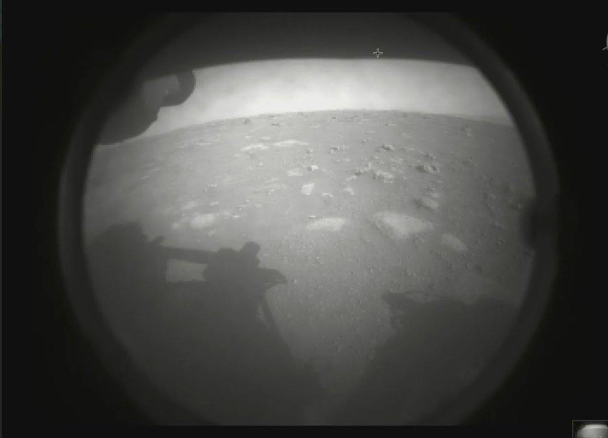نخستین تصویر مریخنورد پشتکار از مریخ