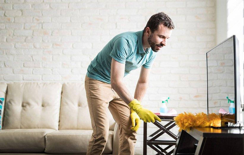 گردگیری و تمیز کردن خانه