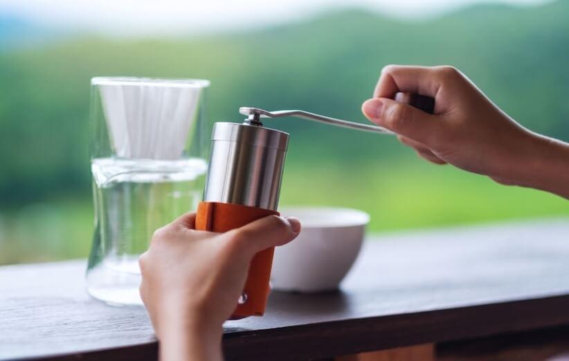 روش آسیاب قهوه - چه درجهای از آسیاب برای کدام دمافزار قهوه مناسب است؟