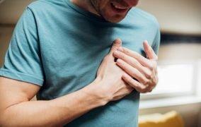 عادتهای مضر که باعث بیماری قلبی میشوند