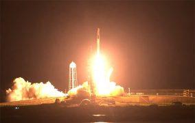 پرتاب موشک فالکون 9 در مأموریت کرو-2 اسپیسایکس