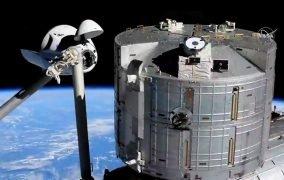 متصل شدن کپسول سرنشیندار دراگون «اندور» اسپیسایکس به بخش جلویی ماژول هارمونی ایستگاه فضایی بینالمللی