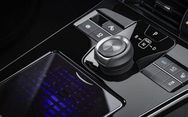 خودروی شاسیبلند الکتریکی تویوتا bZ4X