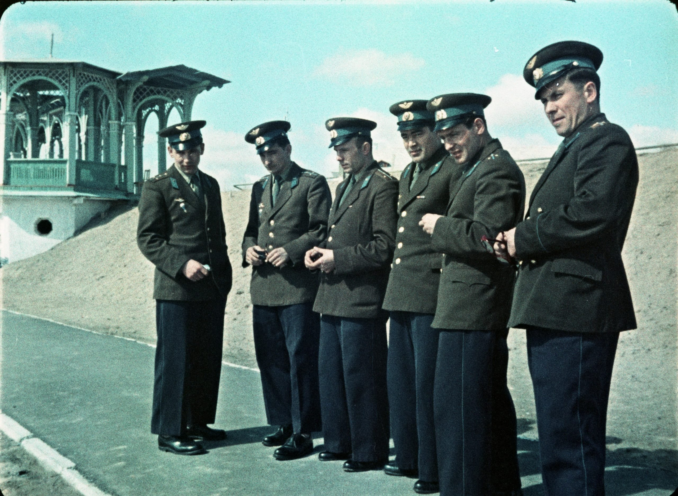 تیم 6 نفره فضانوردان نخستین برنامهی سرنشیندار شوروی