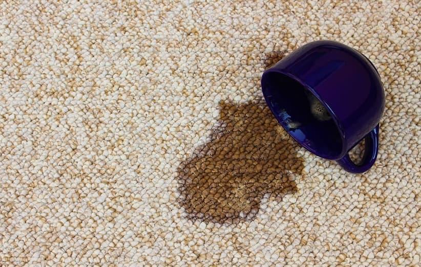 پاک کردن لکهی چای از روی فرش یا خوشخواب