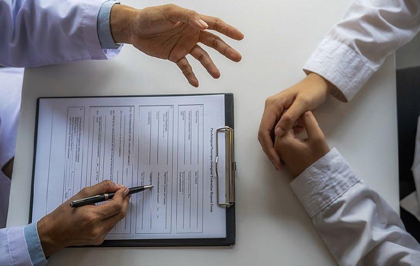 جلسه درمانی با روانپزشک