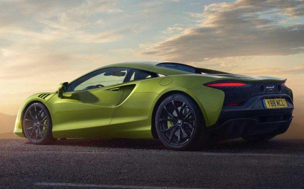 نمای عقبی خودروی سوپراسپرت مکلارن آرتورا 2022