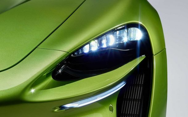 چراغ جلوی خودروی سوپراسپرت مکلارن آرتورا 2022