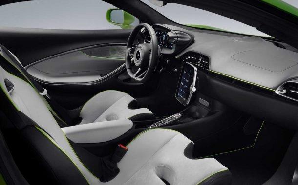 بخش جلویی کابین خودروی سوپراسپرت مکلارن آرتورا 2022