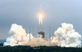 پرتاب موشک لانگ مارچ 5بی چین برای قرار دادن هستهی مرکزی ایستگاه فضایی تیانهه چین